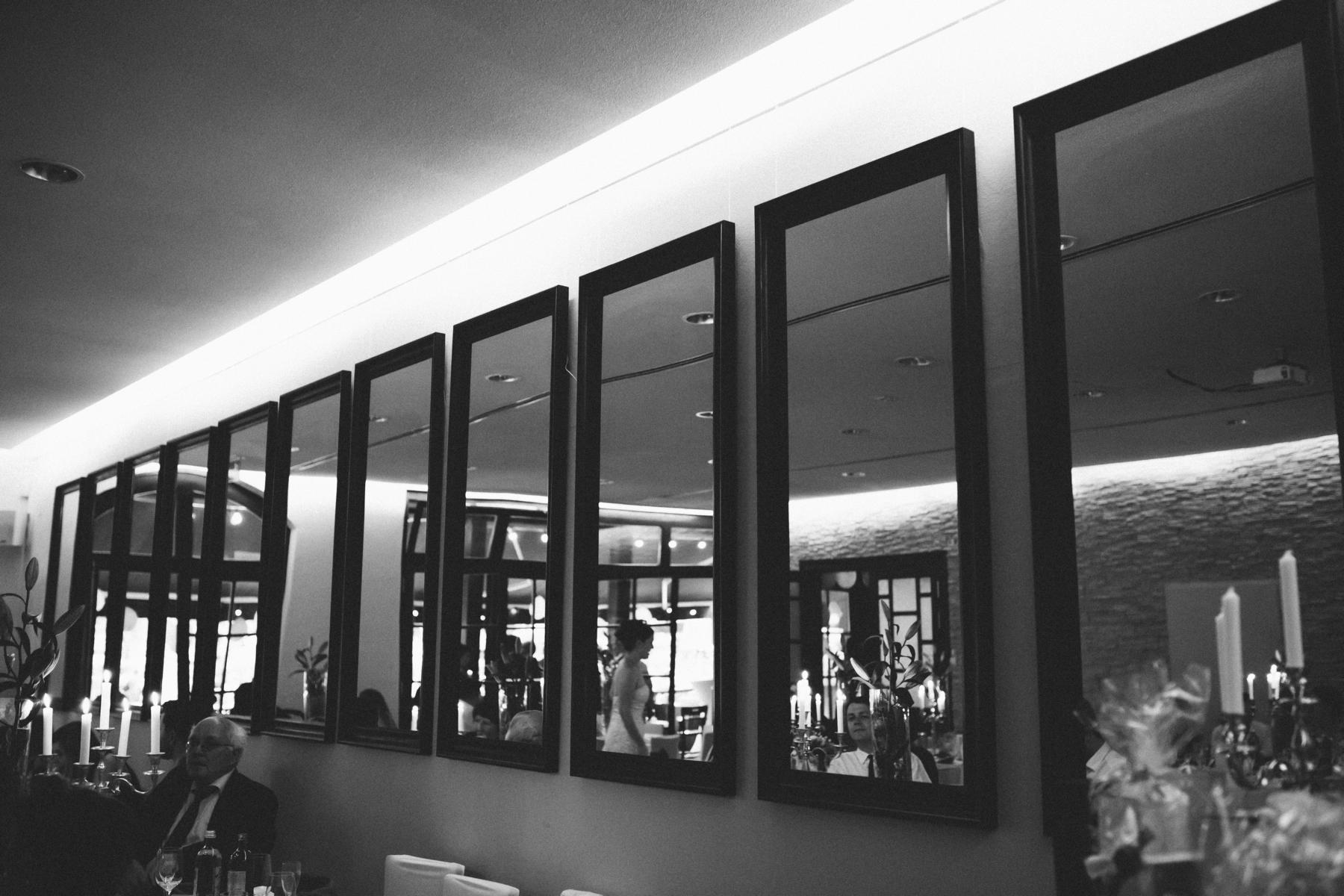 Spiegelwand in der Luise Dahlem bei einer Hochzeitsfeier in Berlin