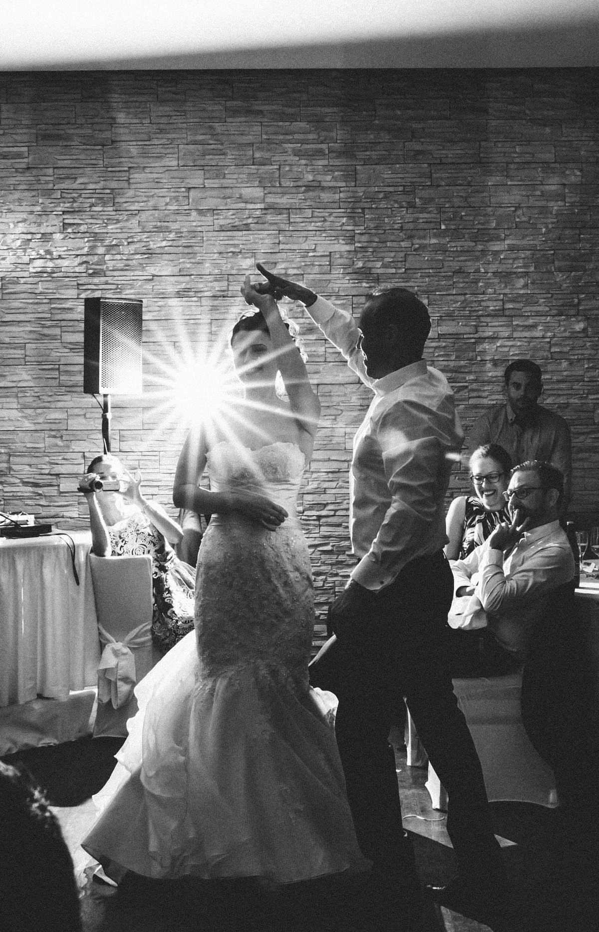 Brautpaar beim Eröffnungstanz in der Luise Dahlem in Berlin