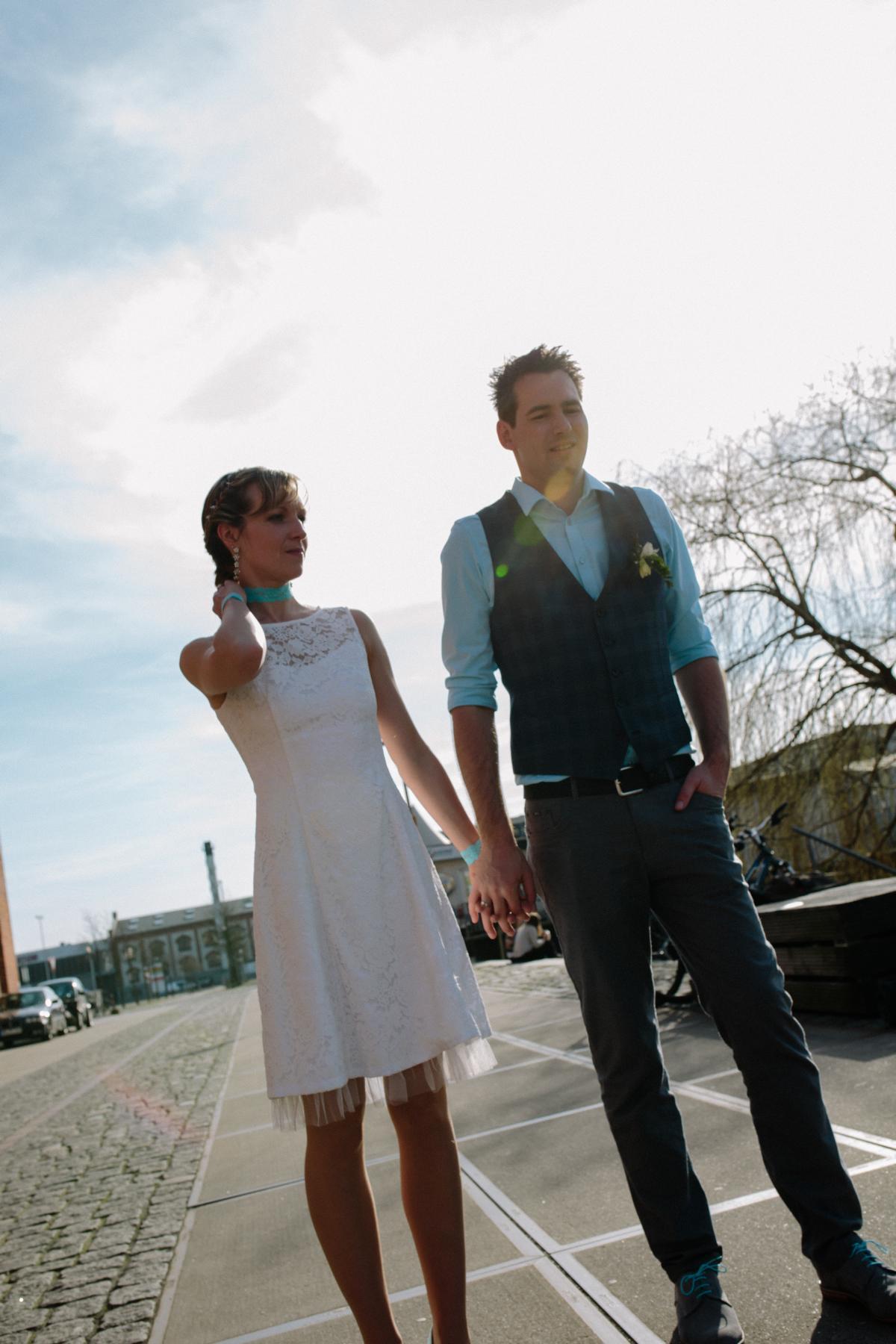 Brautpaar mit Hochzeitsfotograf Bremen