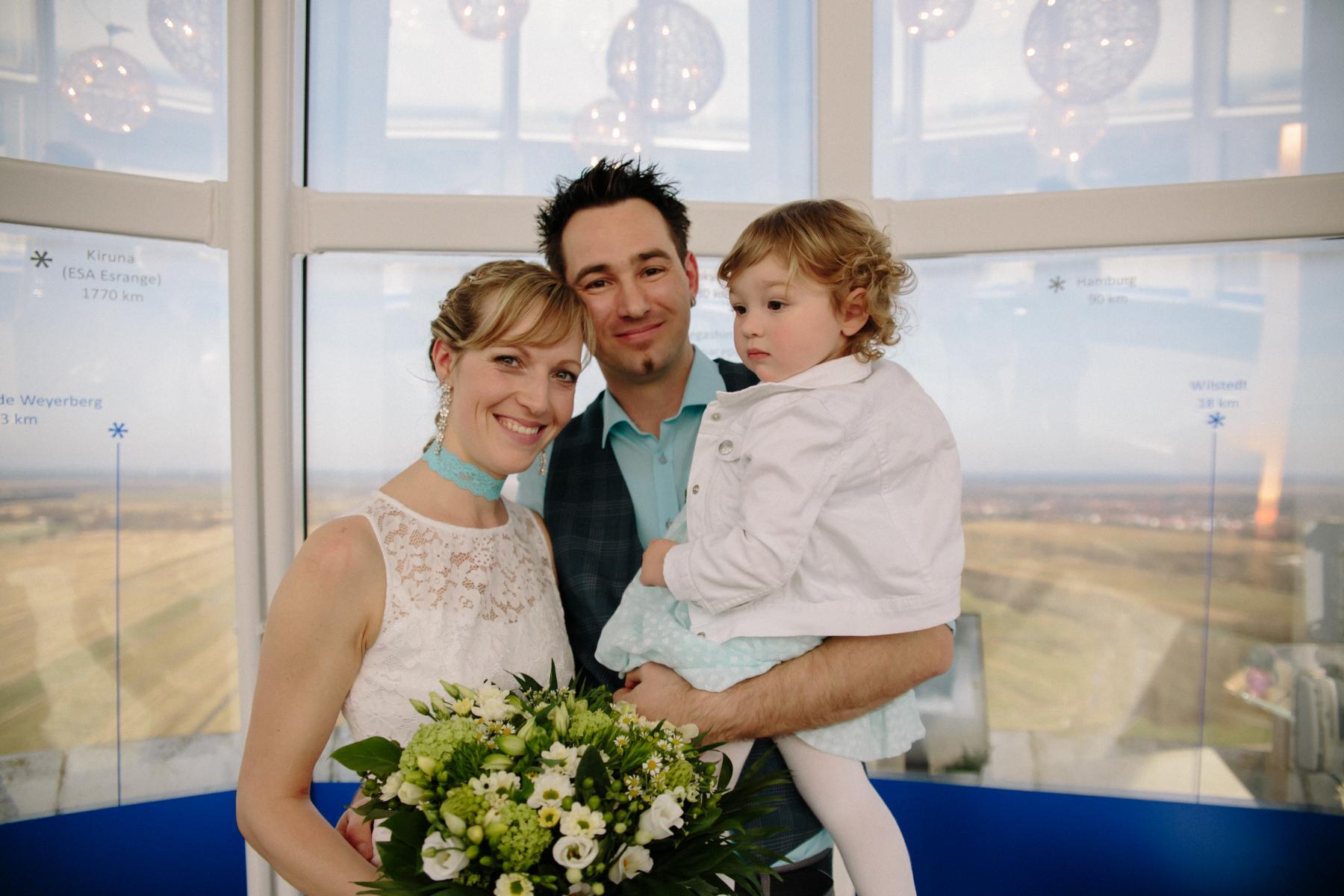 Brautpaar im Fallturm Bremen