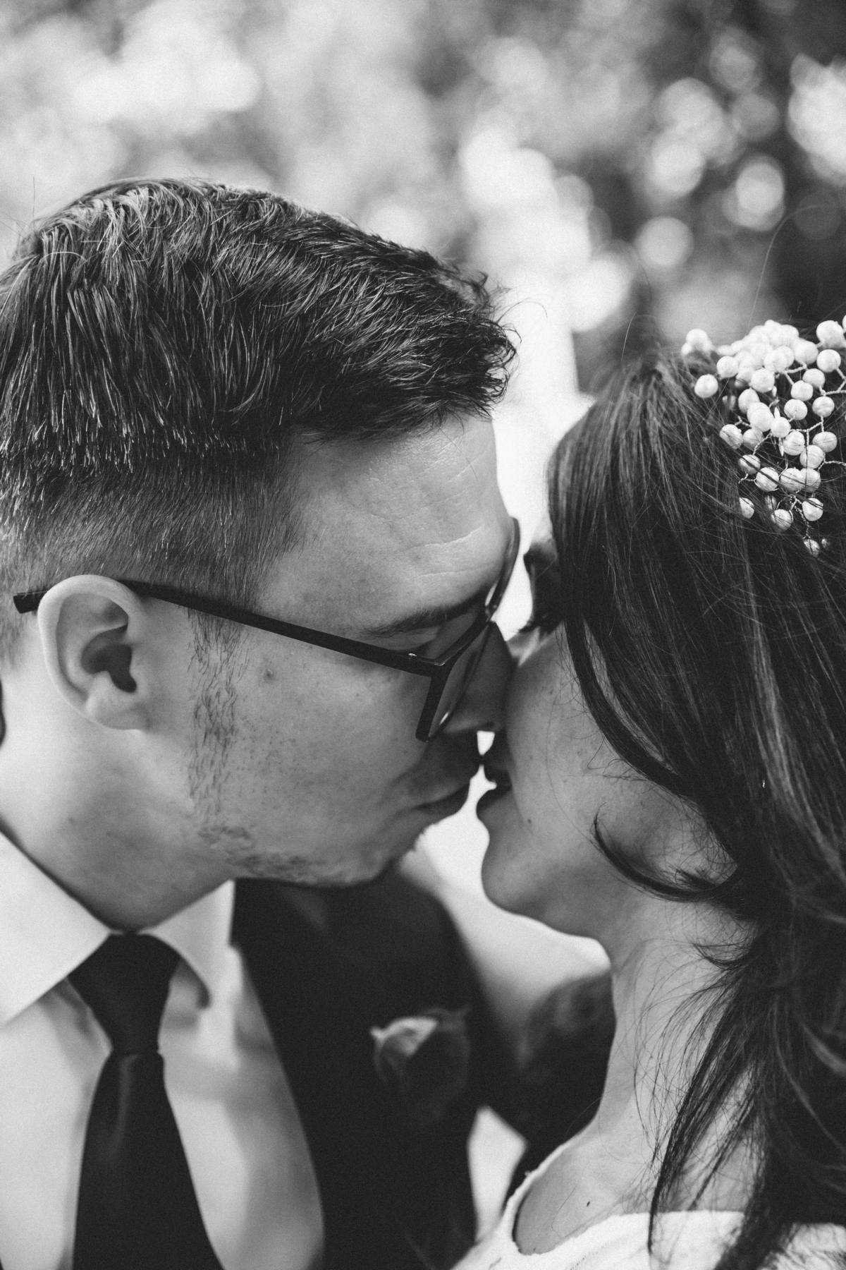 Brautpaar kurz vor dem Kuss