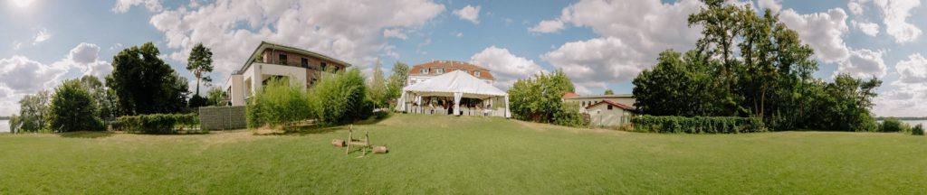 Panoramablick auf das Hotel Restaurant Seeterrassen Wandlitzsee